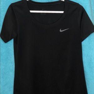 NIKE Ladies Dri Fit Legend T Shirt Size Small